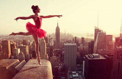 Canvas print Ballet Dancer in front of New York Skyline