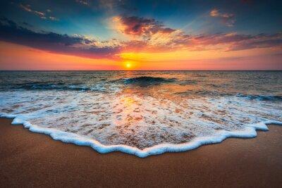 Canvas print Beautiful sunrise over the sea