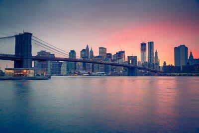 Canvas print Brooklyn bridge and Manhattan at dusk
