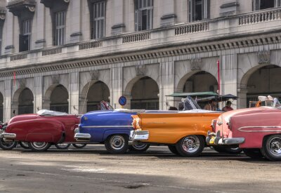 Canvas print Classic american cars in Havana, Cuba