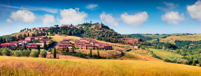 Canvas print Colorful spring view of Pienza town. Picturesque morning panorama of Tuscany, San Quirico d'Orcia, Italy, Europe. Beauty of countryside concept background.