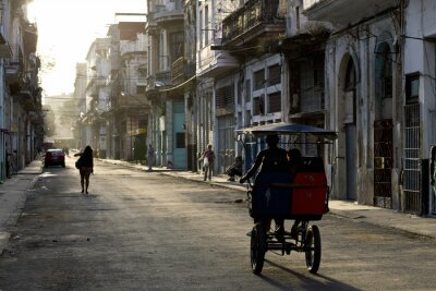 Canvas print Early morning in the streets of Havana Vieja
