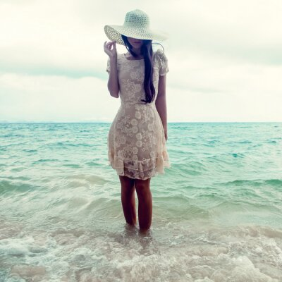 Canvas print fashion portrait of a girl on the sea