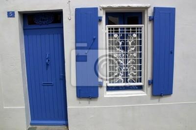 Canvas print fenêtre et volets bleu - vieille ville noirmoutier