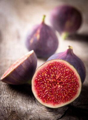 Canvas print Fresh figs on the wooden table