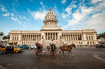 Canvas print HAVANA, CUBA - JUNE 7: Capital building of Cuba June, 7th 2011 i