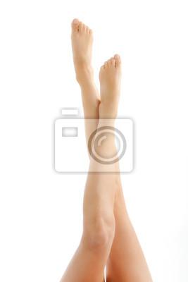 Lange sexy Beine einer jungen schönen Frau nach einer Diät