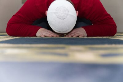 Canvas print Muslim Man Is Praying In The Mosque
