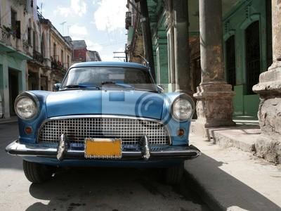 Picture of a old car in Cuba. Havana