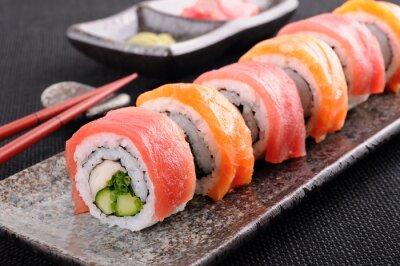 Canvas print Salmon & tuna sushi roll