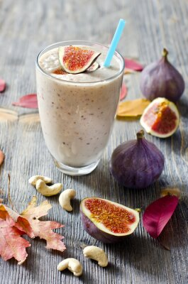 Canvas print Smoothie with figs and cahew