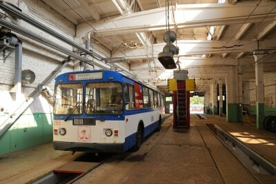 Canvas print Trolleybus standing in trolleybus depot