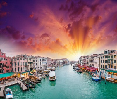 Canvas print Venice. View of Grand Canal at dusk from Rialto Bridge