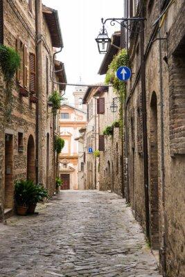 Canvas print Vicolo romantico in Italia