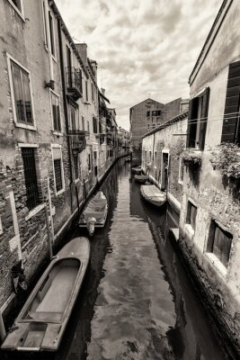 Canvas print Wide angle shot of streets and canals in Venice