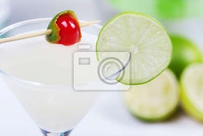 Wall mural Alcohol cocktail with lime juice