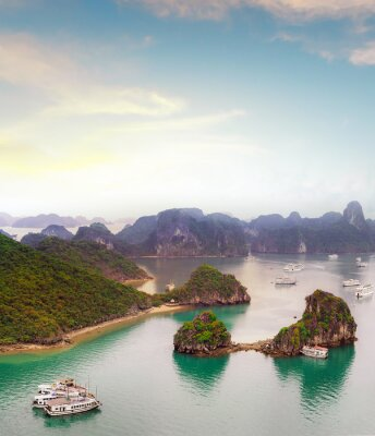 Wall mural Amazing travel destination in Asia - Halong Bay exotic sea and islands in northern Vietnam