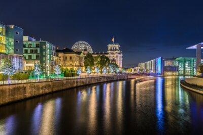 Wall mural Berliner Regierungsviertel bei Nacht