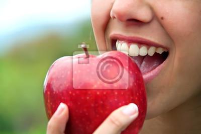 Wall mural Biting an apple