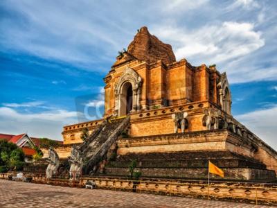 Wall mural Buddhist temple Wat Chedi Luang. Chiang Mai, Thailand