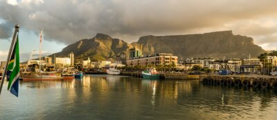 Wall mural Cape Town, Sudafrica, Waterfront, tramonto, Table Mountain