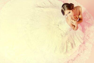 Wall mural charming bride