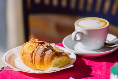 Wall mural coffee with croissant