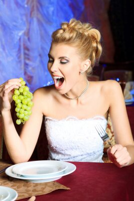 eating grape