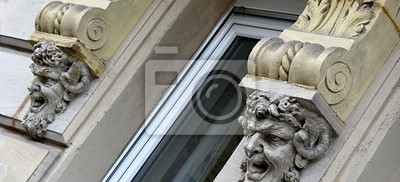façade....atlas