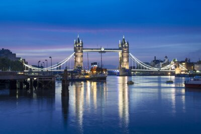 Wall mural Famous Tower Bridge by night, London, England, United Kingdom