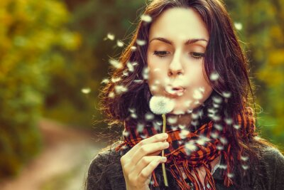 Wall mural Girl with dandelion
