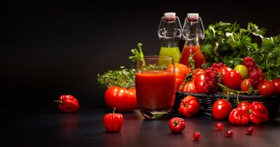 Wall mural Glasses with fresh organic vegetable and fruit juices isolated o