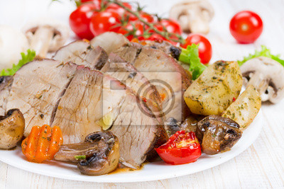 Grillrd meat with vegetables