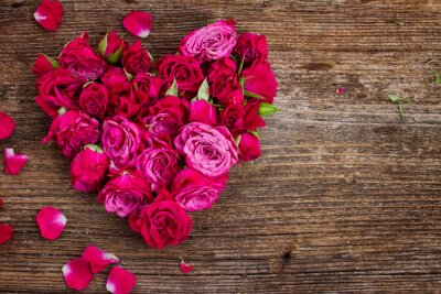 Wall mural heart of roses