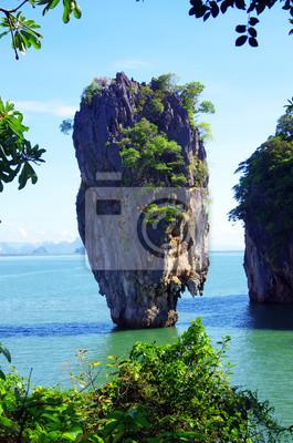 Wall mural island