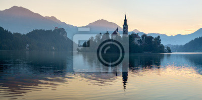 """Kościół na wyspie """"Blejski Otok"""",Bled,Słowenia"""