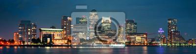 London Canary Wharf at night