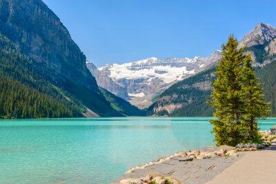 Wall mural Majestic mountain lake in Canada. Louise Lake view in Banff, Alberta, Canada. Rocky Mountains.