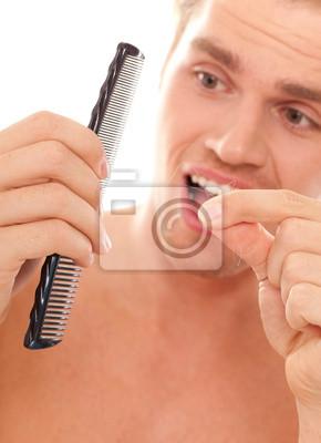 mann hat viele haare im kamm haarausfall