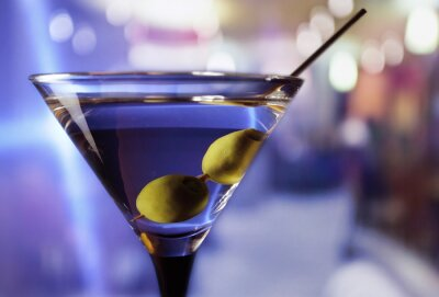 Wall mural martini with green olives