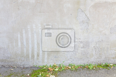 Messy concrete wall