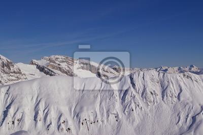 Montagne enneigée 3