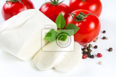 Mozzarella, tomatoes and pepper