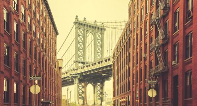 Wall mural Retro stylized Manhattan Bridge seen from Dumbo, New York.