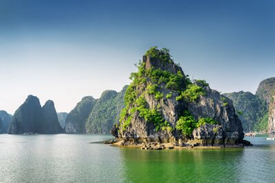Wall mural Scenic view of the Ha Long Bay, the South China Sea, Vietnam