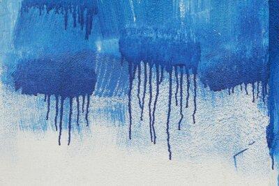 Wall mural sfondo di muro pitturato a murales con pennellate date a rullo e colature blu
