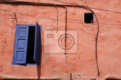Wall mural shutter