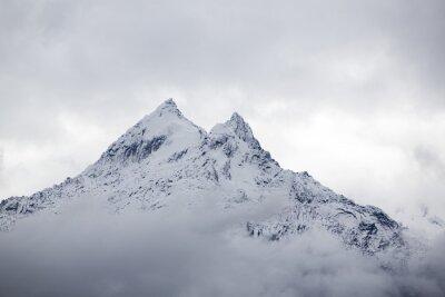 Wall mural Snow covered mountain peak in the Cordillera Blanca, Peru