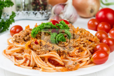 Spaghetti bolognese with cherry tomatoes