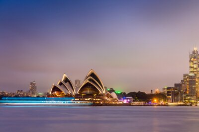 Wall mural SYDNEY - OCTOBER 12, 2015: The Iconic Sydney Opera House is a mu